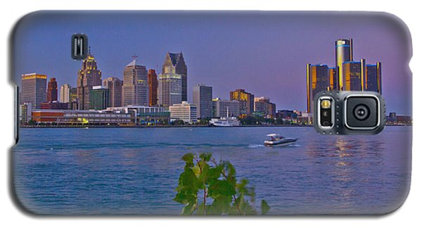 Detroit Skyline At Twilite With Boat Galaxy S5 Case by Bill Woodstock
