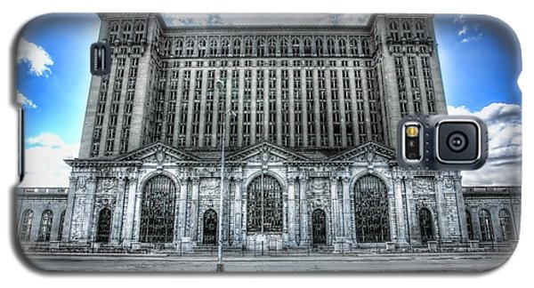 Detroit's Abandoned Michigan Central Train Station Depot Galaxy S5 Case by Gordon Dean II