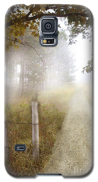 Dirt Road In Fog Galaxy S5 Case