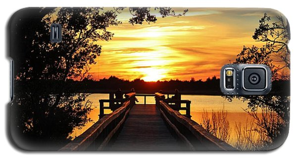 Disappearing Sun  Galaxy S5 Case by Cynthia Guinn