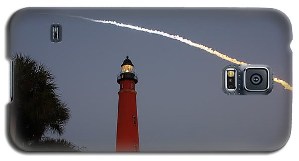 Discovery Booster Separation Over Ponce Inlet Lighthouse Galaxy S5 Case