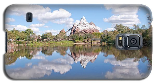 Galaxy S5 Case featuring the photograph Expedition Everest by John Black