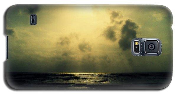 Galaxy S5 Case featuring the photograph Divine Light by Salman Ravish