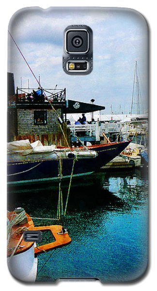 Galaxy S5 Case featuring the photograph Docked Boats In Newport Ri by Susan Savad