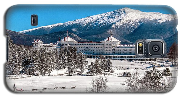 Dog Sled At The Mount Washington Hotel Galaxy S5 Case