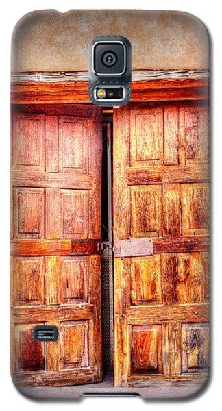 Doors To The Inner Santuario De Chimayo Galaxy S5 Case by Lanita Williams