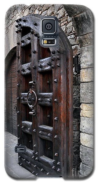 Doorways Of Castello Di Amorosa Galaxy S5 Case by Gina Savage
