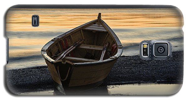 Galaxy S5 Case featuring the photograph Dory At Dawn by Marty Saccone