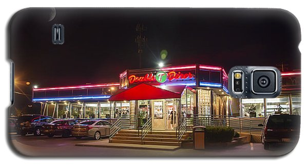 Double T Diner At Night Galaxy S5 Case by Brian Wallace