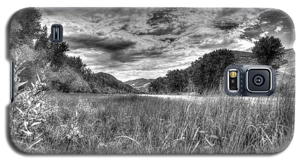 Down By The River  Galaxy S5 Case by Kevin Bone