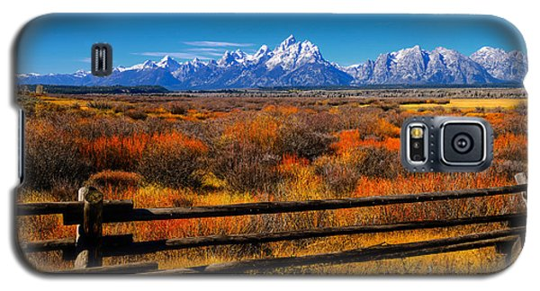 Galaxy S5 Case featuring the photograph Down In The Valley by Greg Norrell
