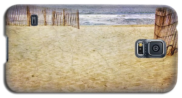 Galaxy S5 Case featuring the photograph Down The Shore by Debra Fedchin