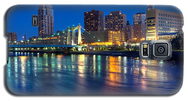 Downtown Minneapolis Skyline Hennepin Avenue Bridge Galaxy S5 Case