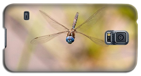 Galaxy S5 Case featuring the photograph Dragonfly In Flight by Peggy Collins