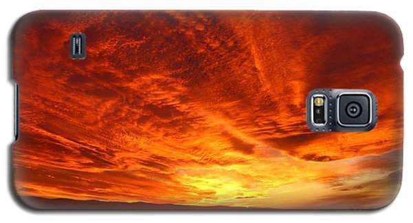 Galaxy S5 Case featuring the photograph Dramatic Red Sky by Lynn Hopwood