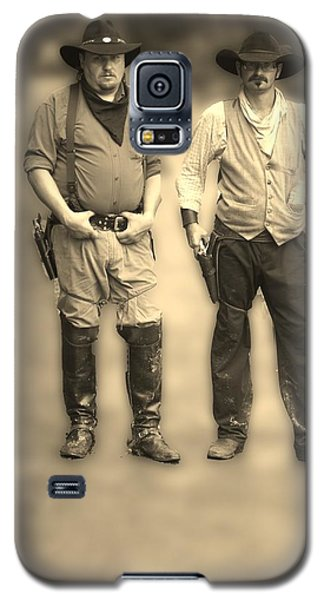 Galaxy S5 Case featuring the photograph Draw First by B Wayne Mullins
