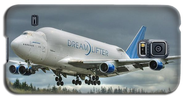 Galaxy S5 Case featuring the photograph Dreamlifter Landing 2 by Jeff Cook