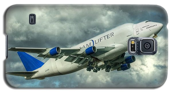 Galaxy S5 Case featuring the photograph Dreamlifter Takeoff by Jeff Cook