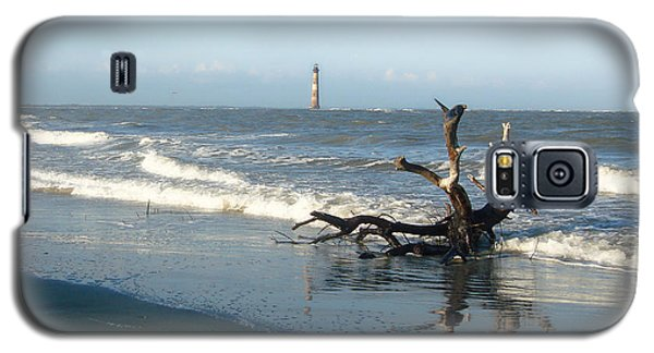 Galaxy S5 Case featuring the photograph Driftwood And Morris Island Lighthouse by Ellen Tully
