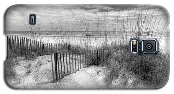 Dune Fences Galaxy S5 Case by Debra and Dave Vanderlaan
