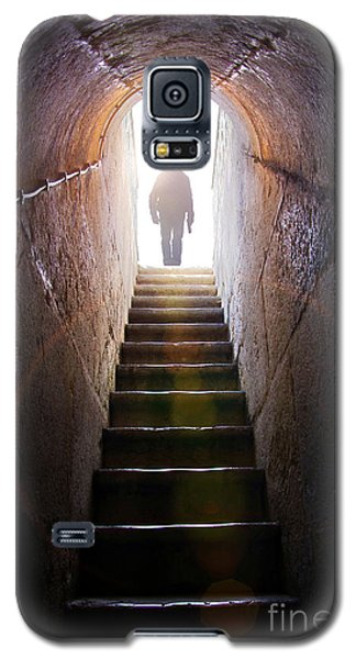 Dungeon Galaxy S5 Case - Dungeon Exit by Carlos Caetano