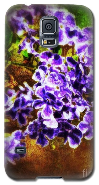 Galaxy S5 Case featuring the photograph Durantas- Vintage Blooms by Darla Wood