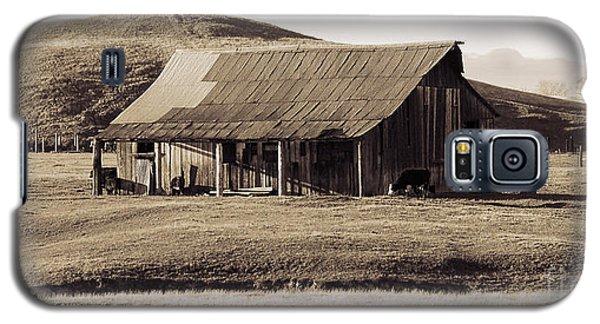 Durham California Barn Galaxy S5 Case