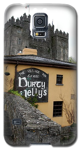 Durty Nellys And Bunraty Castle Galaxy S5 Case by Christiane Schulze Art And Photography