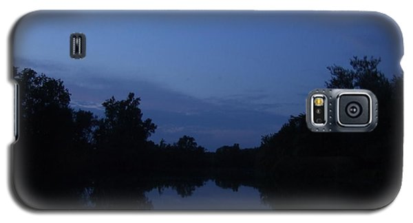 Galaxy S5 Case featuring the photograph Dusk On The River by Deborah DeLaBarre