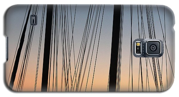 Galaxy S5 Case featuring the photograph Dusky Ropes by Sebastian Mathews Szewczyk