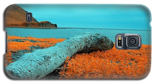 Galaxy S5 Case featuring the photograph Dutch Harbor Alaska by Yul Olaivar