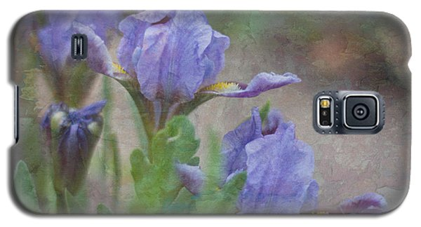 Dwarf Iris With Texture Galaxy S5 Case by Patti Deters