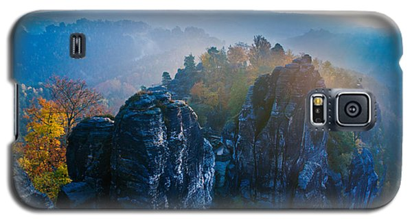 Early Morning Mist At The Bastei In The Saxon Switzerland Galaxy S5 Case