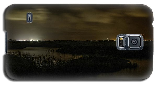 Early Morning Over Lake Shelby Galaxy S5 Case by Michael Thomas