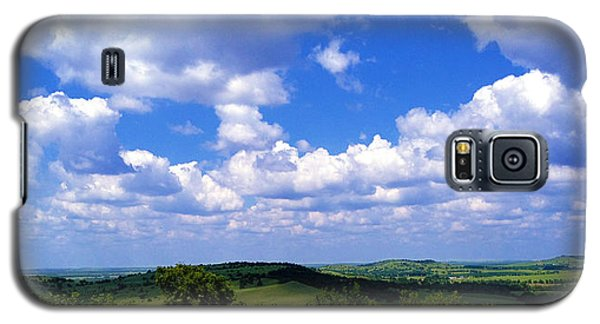 Galaxy S5 Case featuring the photograph Edge Of Oz by Jeremy Martinson
