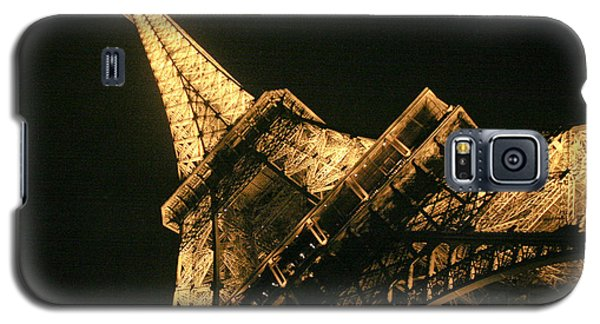 Galaxy S5 Case featuring the photograph Eiffel by Silvia Bruno
