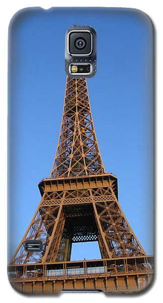Galaxy S5 Case featuring the photograph Eiffel Tower 2005 Ville Candidate by HEVi FineArt