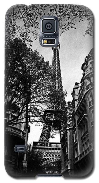 Eiffel Tower Black And White Galaxy S5 Case by Andrew Fare