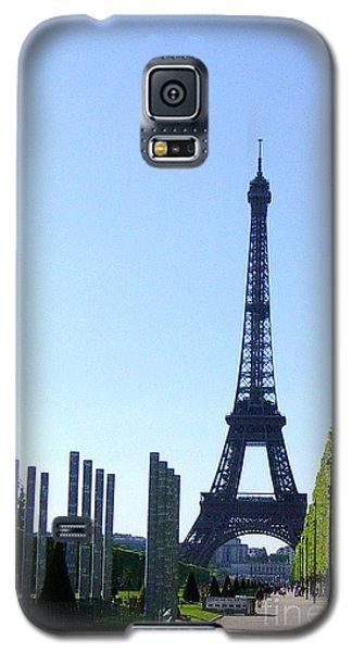 Galaxy S5 Case featuring the photograph Eiffel Tower by Deborah Smolinske