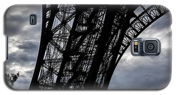 Galaxy S5 Case featuring the photograph Eiffel Tower Storm by Ross Henton