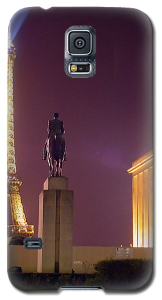 Eiffel Tower With A Monument Galaxy S5 Case