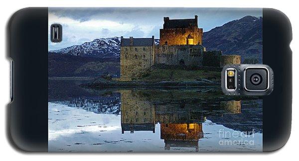 Eilean Donan Castle At Dusk Galaxy S5 Case