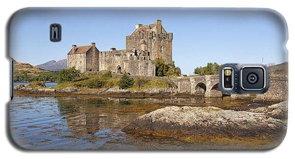 Eilean Donan Castle Galaxy S5 Case by Eunice Gibb