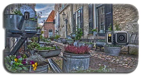 Galaxy S5 Case featuring the photograph Elburg Alley by Frans Blok