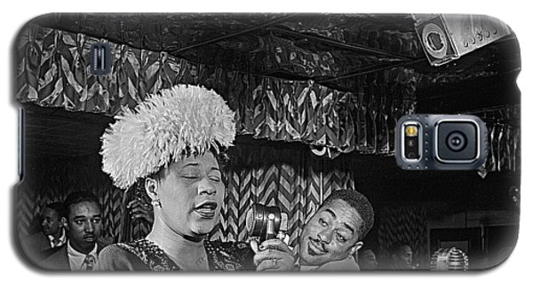 Ella Fitzgerald And Dizzy Gillespie William Gottleib Photo Unknown Location September 1947-2014. Galaxy S5 Case by David Lee Guss