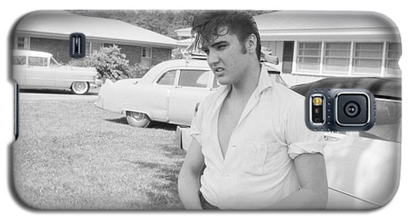 Elvis Presley With His Cadillacs Galaxy S5 Case by The Harrington Collection