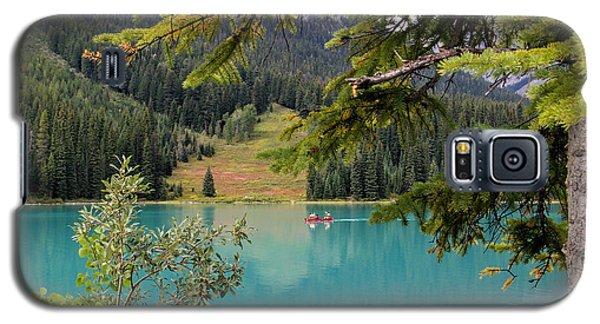 Emerald Lake British Columbia Galaxy S5 Case by Lynn Bolt