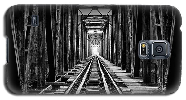 Train Galaxy S5 Case - Emptiness by Catalin Alexandru