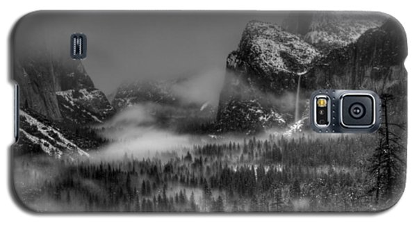 Enchanted Valley In Black And White Galaxy S5 Case