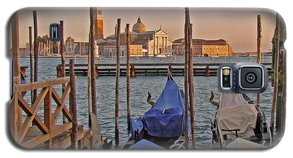 Venice End Of A Day Galaxy S5 Case by Walter Fahmy